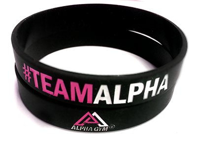"""#TEAMALPHA"" Motivationsarmband schwarz/pink"